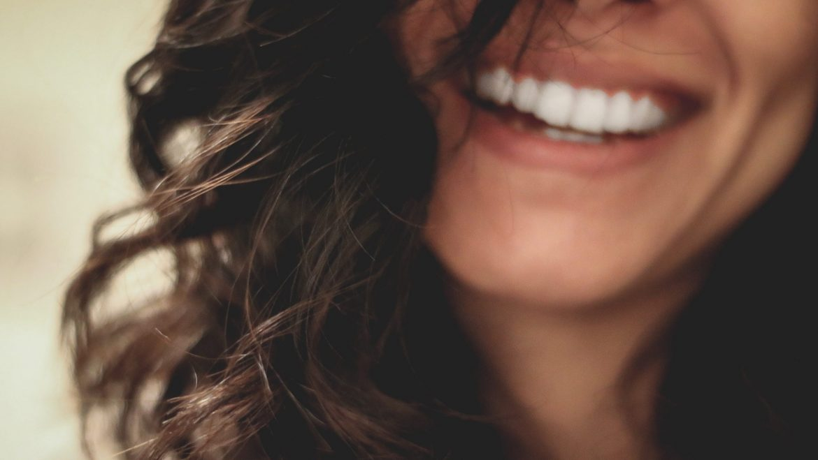 Dealing with Dentures When Dating